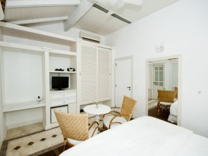 Felissimo-Exclusive-Hotel-Suite-Superior-6-5
