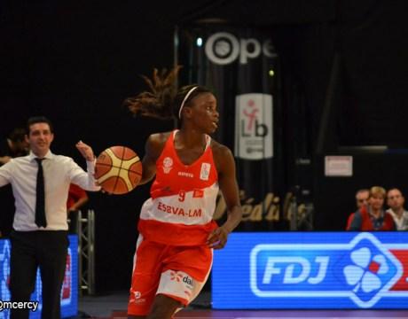 Basket-Villeneuve-GOMIS-Jojanne-Open-LFB-2014.jpg