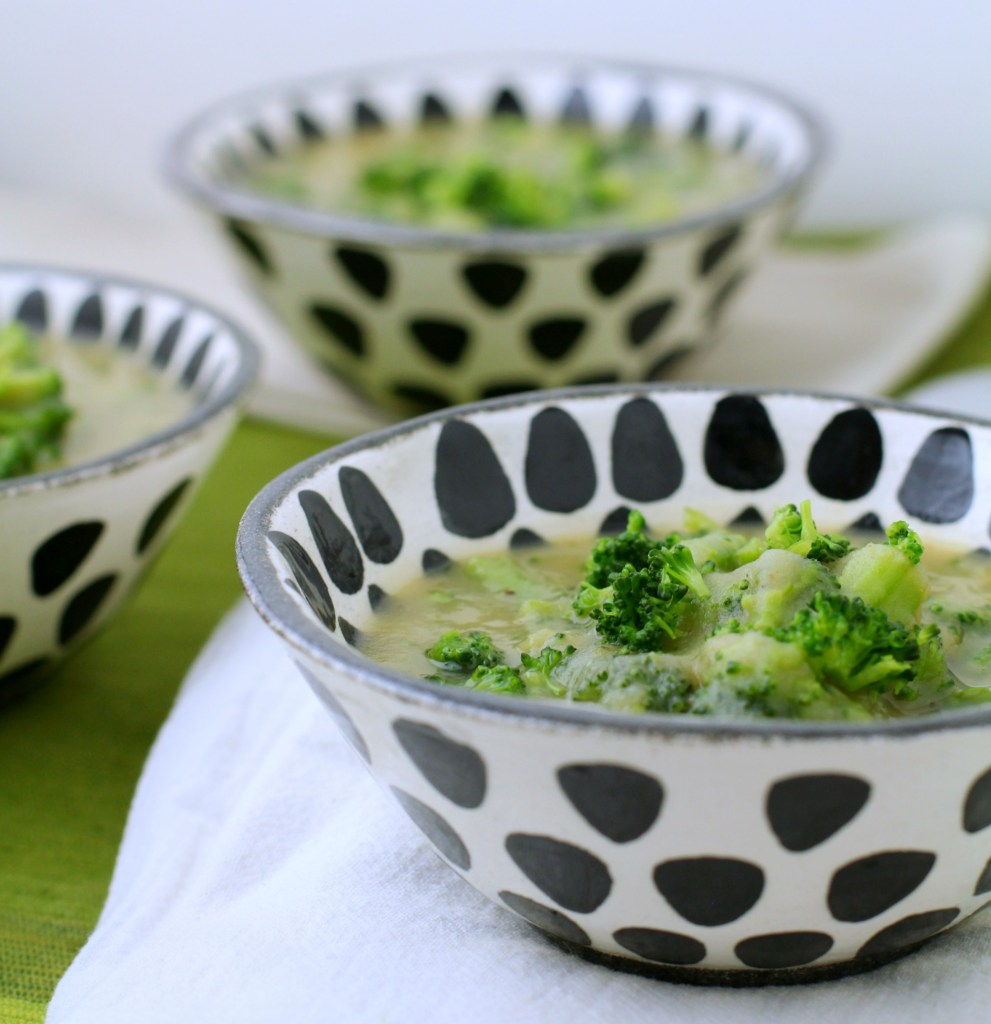 Broccoli, Leek, & Potato Soup Recipe {vegan, gluten free, whole30}