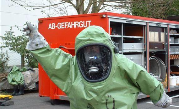 350 Jahre pestfrei: dennoch ABC-Ausbildung bei Feuerwehr Bonn