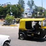 Traffic et Rickshaw. Moyen de transport sympa et pas cher