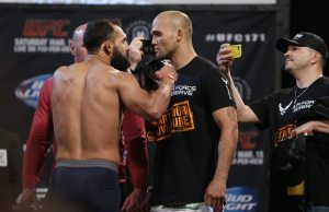 047_johny_hendricks_and_robbie_lawler.0_standard_730.0
