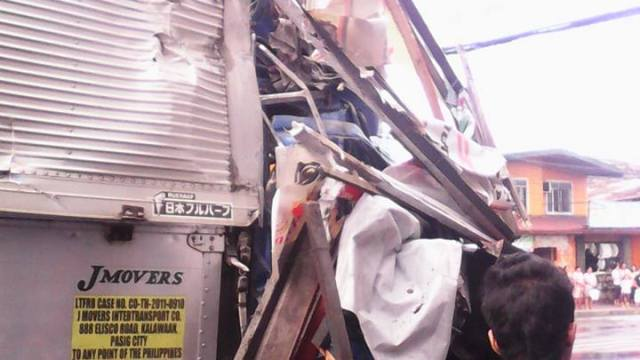 truck accident in marikina 2015