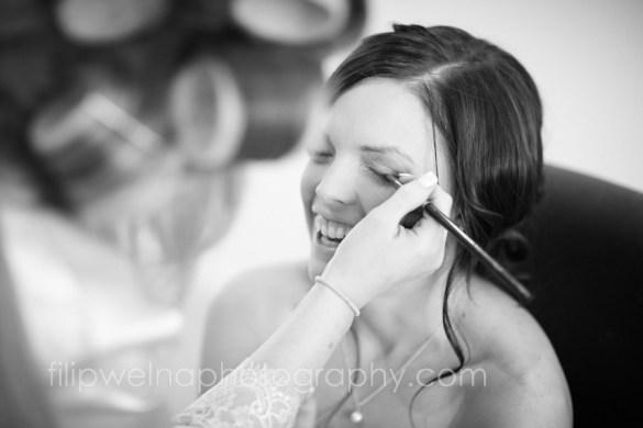 brides-getting-ready-05