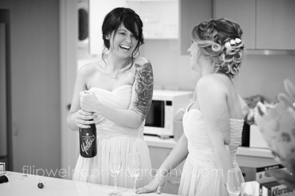 brides-getting-ready-19