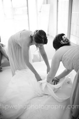 brides-getting-ready-25