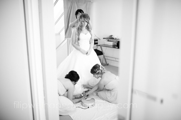 brides-getting-ready-30