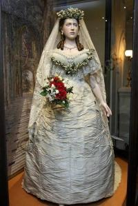 Alexandra-of-Denmark-wedding-dress
