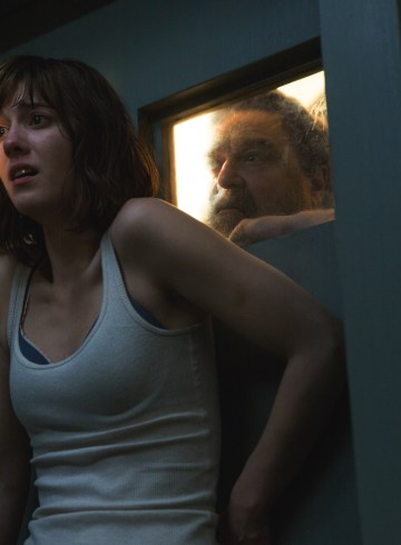 REVIEW: 10 Cloverfield Lane (2016)