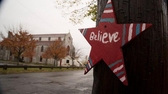 DSC03372_believe sign & church