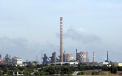 Economia: il Governo salva l'Ilva di Taranto. Attraverso l'aumento delle bollette di tutti i cittadini. La denuncia dell'autorità per l'ener...