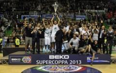 Basket, Siena schianta Varese e vince la Supercoppa