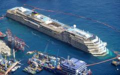Concordia: il mare sposta leggermente la nave, al via interventi urgenti