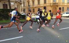 Maratona di Firenze: a metà gara il Kenya avanti