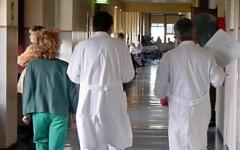 Massa: 12 enne morì di polmonite, indagato il pediatra