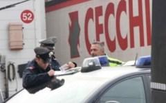 Prato, 6 camionisti occupano l'azienda che li ha licenziati