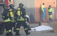 Incendio in una ditta cinese: crollati i dormitori, 5 morti e 3 feriti