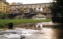 Firenze, primo gennaio con tuffo in Arno