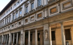 Firenze: code di tre ore per entrare (gratis) agli Uffizi. Domani, 5 gennaio, apertura straordinaria (a pagamento)