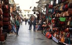 Toscana, ambulanti: stop per un anno a multe e sospensioni