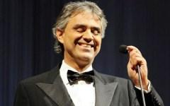 Firenze, «Celebrity Fight Night» al suo culmine: Bocelli canta in Palazzo Vecchio domenica 7 settembre