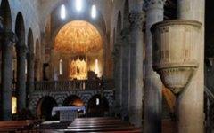 Fiesole, paura in Duomo per un incendio. Danneggiato l'organo antico