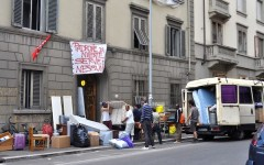 Firenze, emergenza casa: sgombero all'ex collegio la Querce