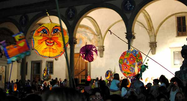 La Festa della Rificolona in Piazza Santissima Annunziata