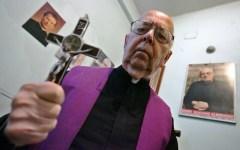 Toscana, in coda dall'esorcista. I vescovi: «Troppi fedeli vogliono esser liberati dal demonio»