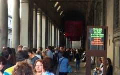 Firenze, Uffizi presi d'assalto dai turisti. Oltre due ore in coda