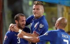 Italia, doppietta e autogol di Chiellini: 2-1 all'Azerbaigian ma con gran fatica. La classifica del girone H