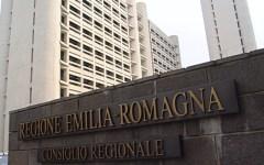 Regioni, spese pazze: Renzi pretende i tagli (in Emilia una consigliera ha chiesto perfino il rimborso di un sex toy)