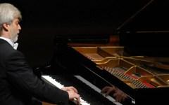 Firenze: annunciati i concerti con i grandi pianisti, da Pollini a Sokolov