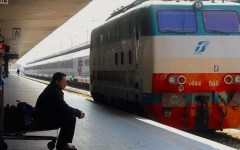 Pontassieve, muore investito dal treno alla stazione