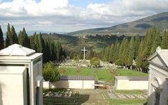Maltempo, riaperti i cimiteri di Firenze. Ma restano ancora chiusi (da 10 giorni) Trespiano e Peretola