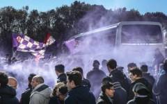 Fiorentina, a Peretola è bagno di folla: tifosi in delirio per Salah