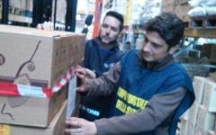 Firenze: sequestrate 20mila bottiglie di falso vino e grappe fatti con riso e piselli