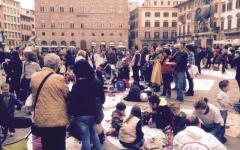 Firenze, scuola: picnic di protesta contro il Comune in piazza Signoria