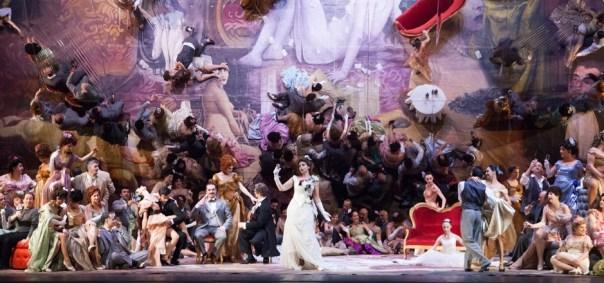 «La-Traviata» nell'allestimento di Brockhauss in scena all'Opera di Firenze (foto di Simone Donati -Terraproject-Contrasto)