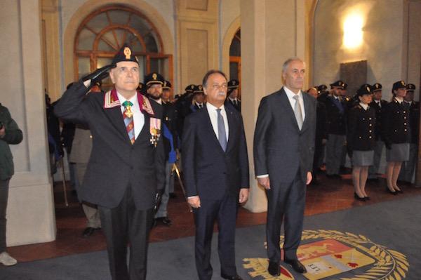 da sin. il presidente Anps Sergio Tinti, il prefetto Luigi Varratta, il questore Raffaele Micillo