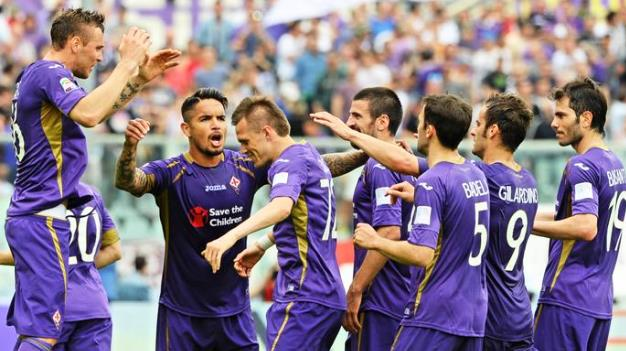 Fiorentina-Cesena, l'esultanza dei giocatori viola dopo il secondo gol di Ilicic