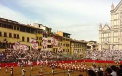 Firenze, Calcio Storico 2015: finale Bianchi-Verdi dopo quasi mezzo secolo (senza maxischermi)