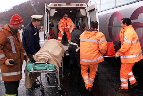 Lucca, incidente mortale, è intervenuta l'ambulanza
