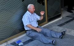 Grecia, referendum sull'euro: popolo spaccato in due. Esito incerto. Duello Tsipras - Juncker
