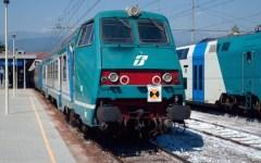 Bloccata la ferrovia Pisa-Firenze da un incendio a San Romano