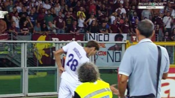 Torino-Fiorentina, Alonso segna e fa il gesto del torero ai tifosi granata: ammonito dall'arbitro (foto Twitter - SportMediaset)