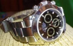 Forte dei Marmi, banda dei Rolex: rubato a un turista un Daytona da 100 mila euro