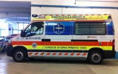 Prato, incidente stradale: auto contro un'ambulanza. Gravi due volontari della Croce d'Oro
