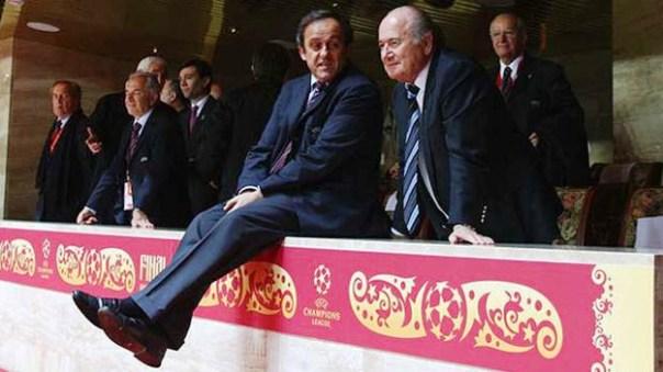 Calcio, Fifa: Michel Platini (a sinistra) e Sepp Blatter
