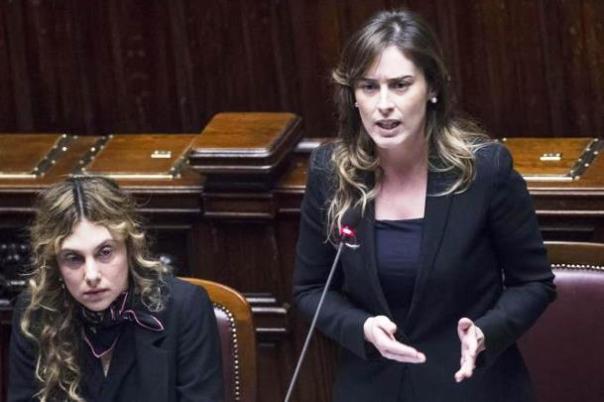 Camera dei Deputati, Maria Elena Boschi replica a chi ne chiede le dimissioni